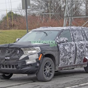 Spy Photo - 2022 Jeep Grand Cherokee 3 Row 02.jpg