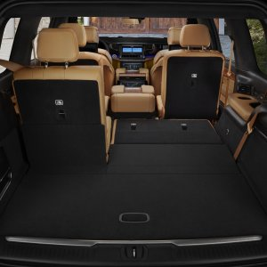 2022-Jeep-Grand-Wagoneer-Interior-19.jpg