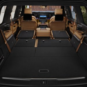 2022-Jeep-Grand-Wagoneer-Interior-21.jpg