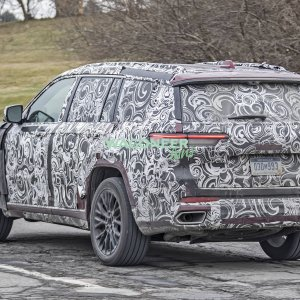 Spy Photo - 2022 Jeep Grand Cherokee 3 Row 08.jpg