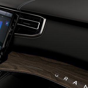2022-Jeep-Grand-Wagoneer-Interior-43.jpg