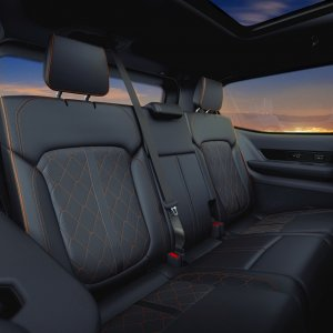 2022-Jeep-Grand-Wagoneer-Interior-52.jpg