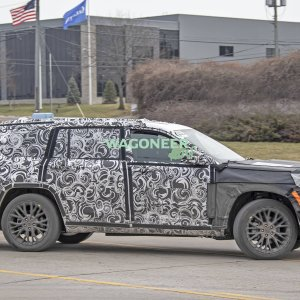 Spy Photo - 2022 Jeep Grand Cherokee 3 Row 18.jpg