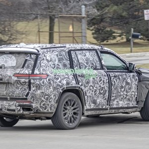 Spy Photo - 2022 Jeep Grand Cherokee 3 Row 22.jpg