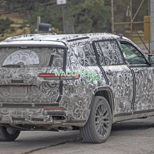 Spy Photo - 2022 Jeep Grand Cherokee 3 Row 23.jpg